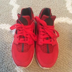 Men's Nike huaraches size 9 red and navy blue